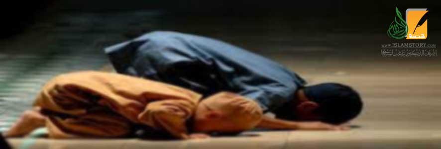 سُنَّة حمل الأطفال في الصلاة